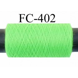 Bobine de fil  polyester  fil n°120 couleur vert fluo longueur de 500 mètres bobiné en France