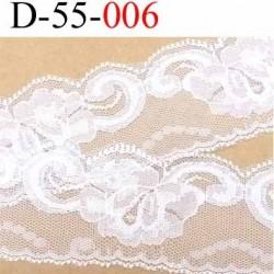 Dentelle largeur 55 mm synthétique  couleur blanc  motif fleur prix au mètre
