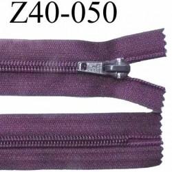 fermeture zip à glissière  longueur 40 cm couleur prune bordeau non séparable zip nylon largeur 3,2 cm largeur du zip 6.5 mm
