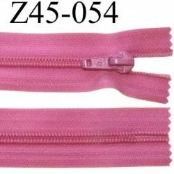 fermeture zip à glissière  longueur 45 cm couleur fushia non séparable zip nylon largeur 3,2 cm largeur du zip 6.5 mm